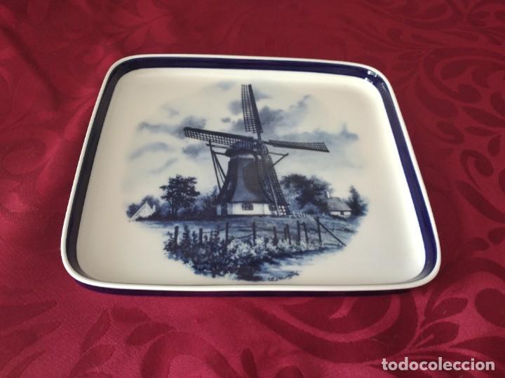 PRECIOSA BANDEJA DE PORCELANA DELFT MADE IN HOLLAND. (Antigüedades - Porcelana y Cerámica - Holandesa - Delft)