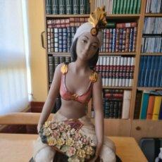 Antigüedades: FIGURA MUJER EGIPCIA SENTADA DE PORCELANA NADAL. Lote 279464698