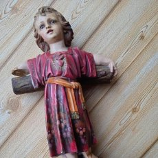Antigüedades: MAGNIFICO NIÑO JESUS DE OLOT CON LA CRUZ PRECIOSA IMAGEN DE CORAZÓN DE JESÚS NIÑO. Lote 280529723