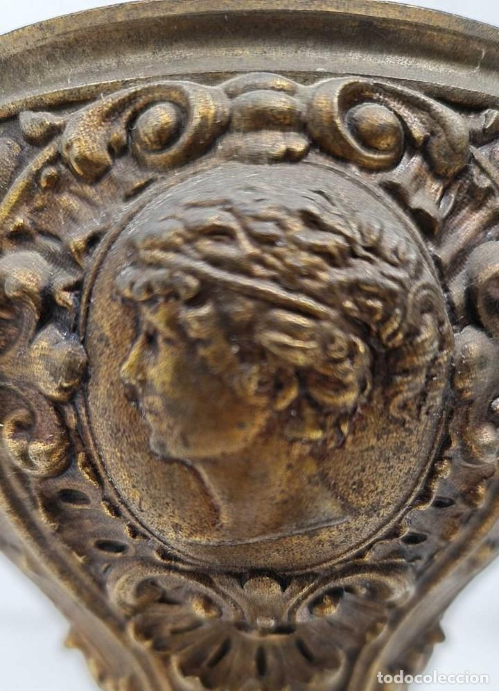 Antigüedades: ANTIGUA BASE EN CALAMINA DE UN GRAN QUINQUE SIGLO XIX, 21.5 CM. ALTURA Y 11.5 CM DE DIAMETRO DE BOCA - Foto 7 - 280653558