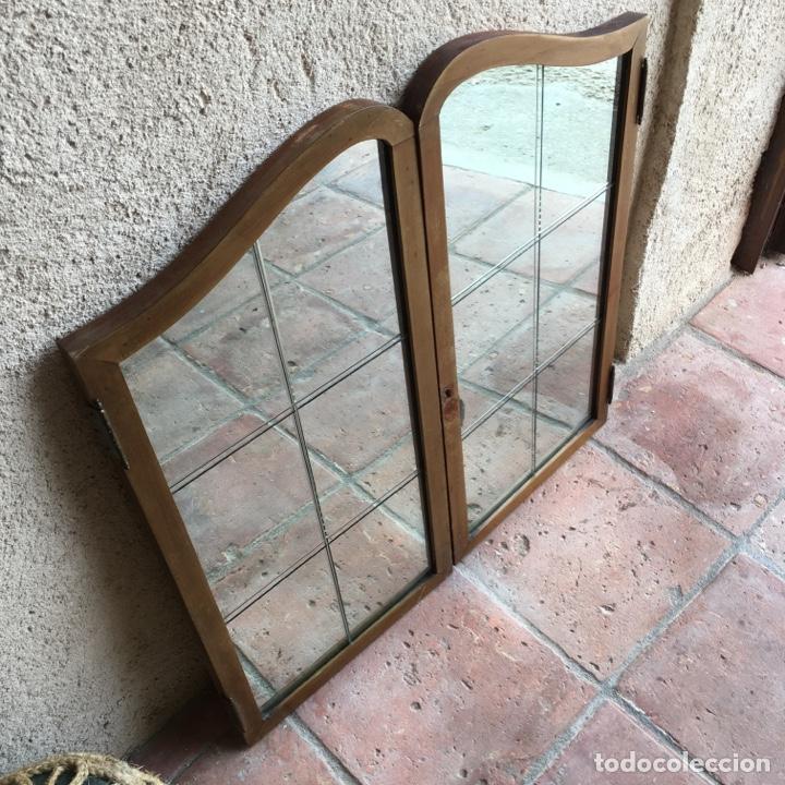 Antigüedades: Puertas de ventana o mueble modernista con cristalera de espejo biselado, vidriera - Muy original - Foto 2 - 280780853
