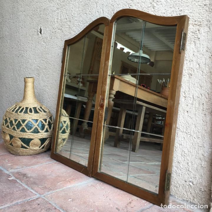 Antigüedades: Puertas de ventana o mueble modernista con cristalera de espejo biselado, vidriera - Muy original - Foto 3 - 280780853