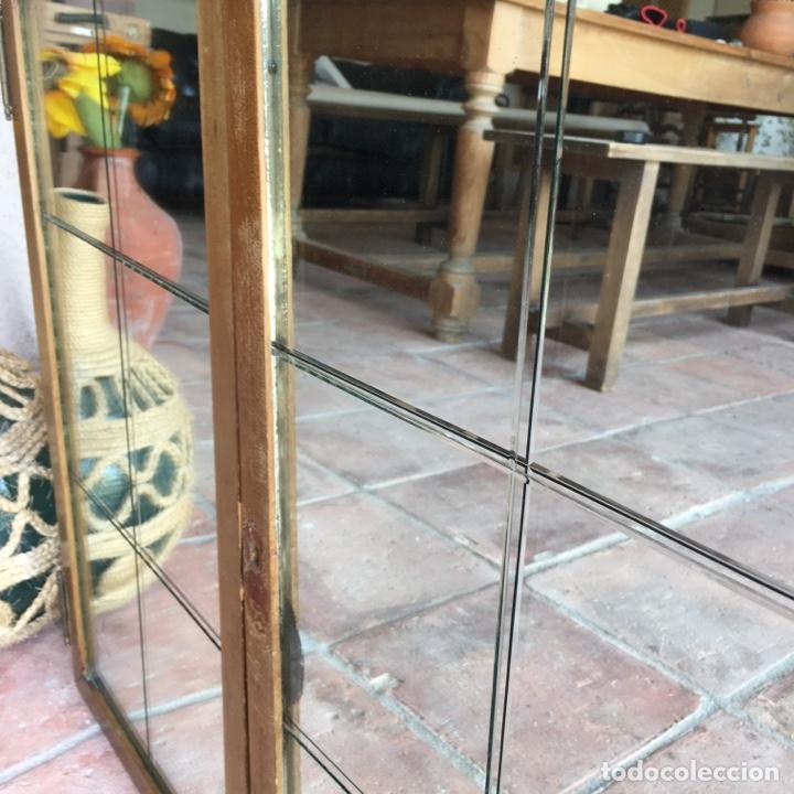 Antigüedades: Puertas de ventana o mueble modernista con cristalera de espejo biselado, vidriera - Muy original - Foto 5 - 280780853