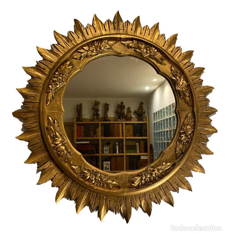ESPEJO SOL MUY ORNAMENTADO EN MADERA TALLADA Y DORADA, 70 X 70 (Antigüedades - Muebles Antiguos - Espejos Antiguos)