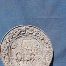 Antiquités: ANTIGUO PLATO GRANDE PESADO DE HIERRO FUNDIDO. Lote 281014233