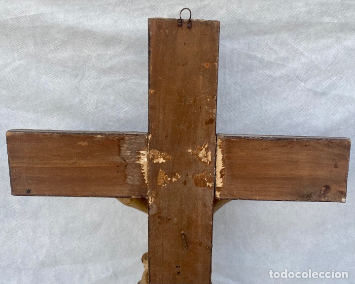 Antigüedades: Crucifijo Cristo de terracota y cruz de madera antiguo - Foto 14 - 281934143
