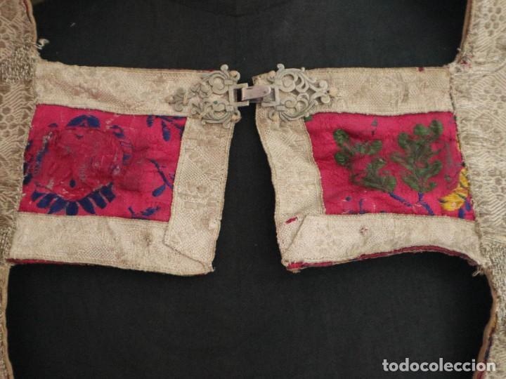 Antigüedades: Capa pluvial confecciona en seda brocada. Siglo XVIII. - Foto 4 - 282985178