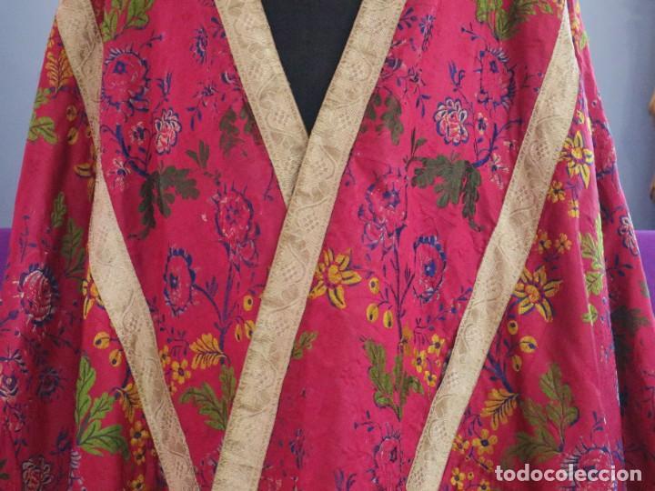 Antigüedades: Capa pluvial confecciona en seda brocada. Siglo XVIII. - Foto 6 - 282985178