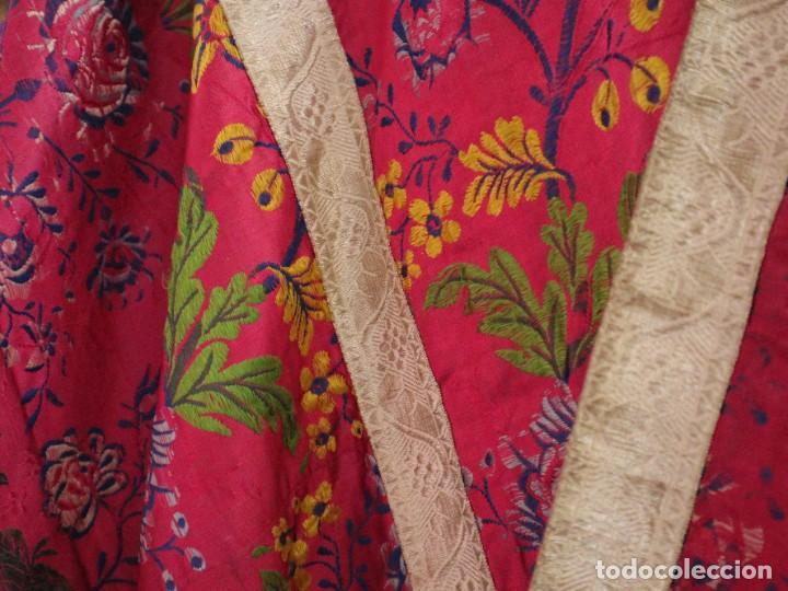 Antigüedades: Capa pluvial confecciona en seda brocada. Siglo XVIII. - Foto 9 - 282985178