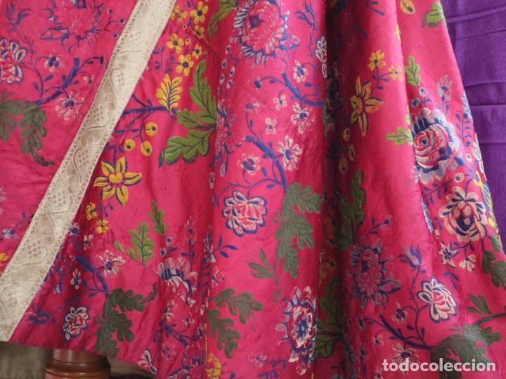 Antigüedades: Capa pluvial confecciona en seda brocada. Siglo XVIII. - Foto 10 - 282985178