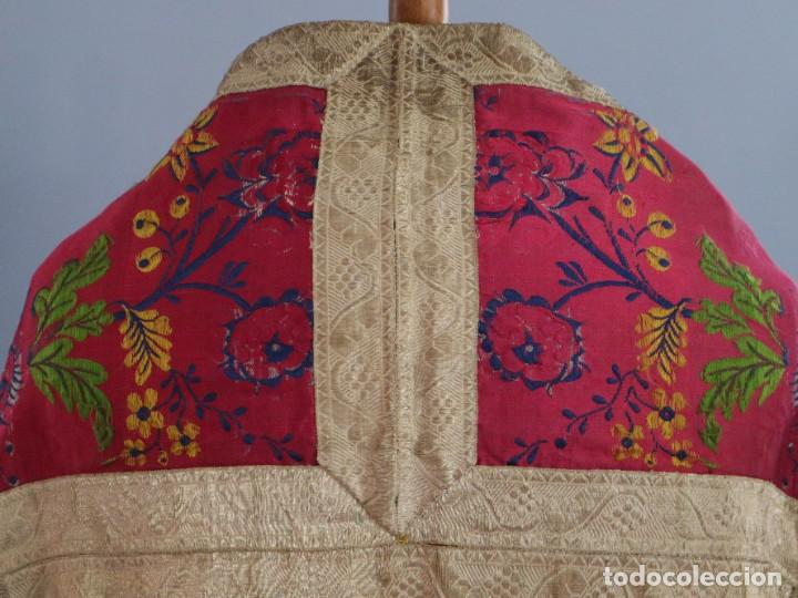 Antigüedades: Capa pluvial confecciona en seda brocada. Siglo XVIII. - Foto 14 - 282985178