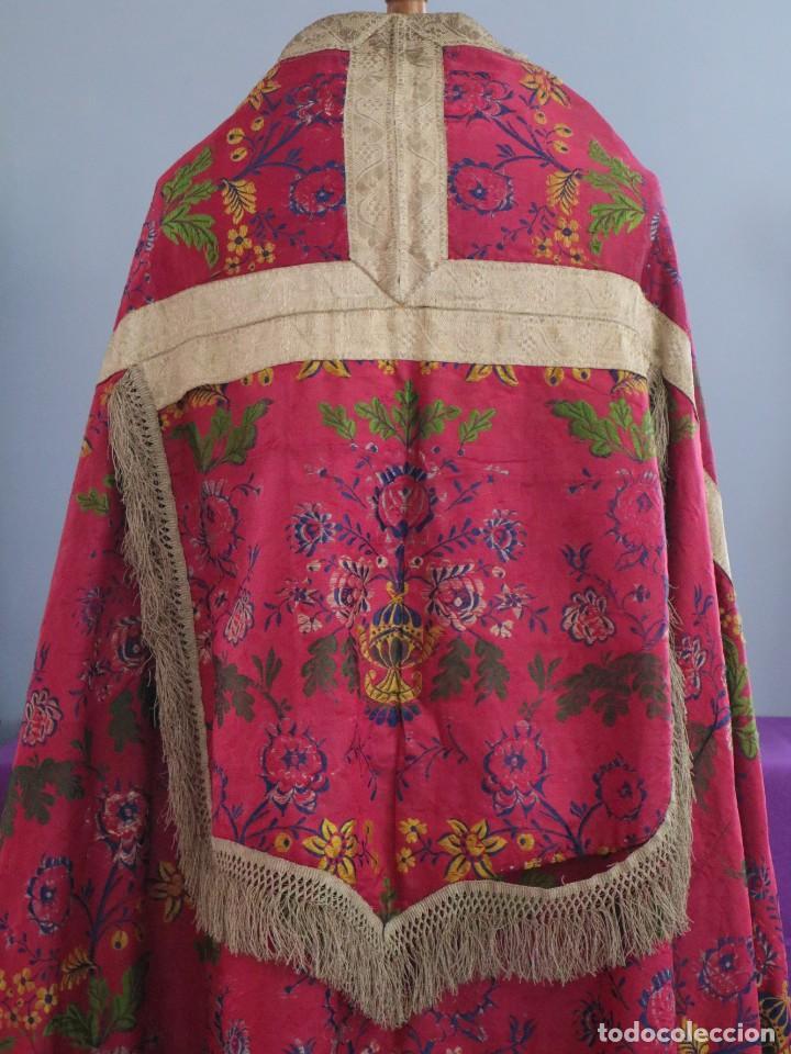 Antigüedades: Capa pluvial confecciona en seda brocada. Siglo XVIII. - Foto 15 - 282985178