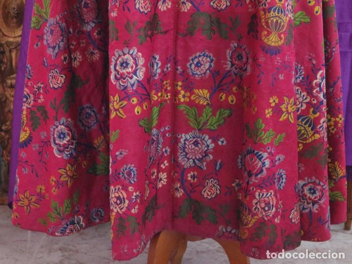 Antigüedades: Capa pluvial confecciona en seda brocada. Siglo XVIII. - Foto 19 - 282985178