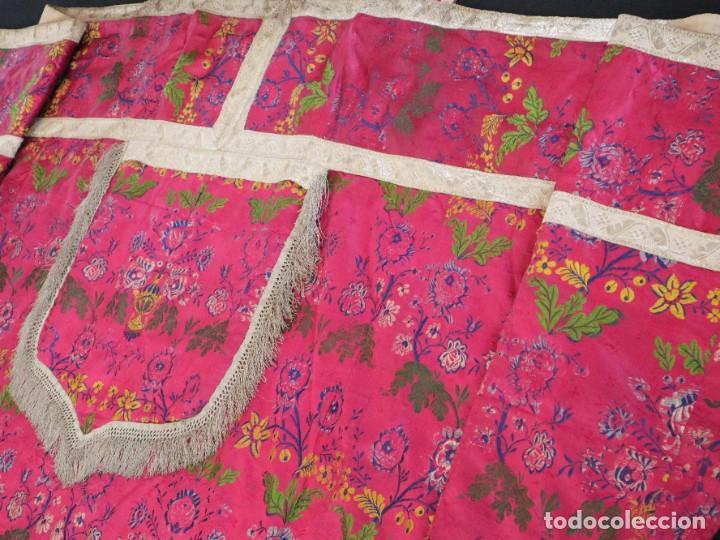 Antigüedades: Capa pluvial confecciona en seda brocada. Siglo XVIII. - Foto 22 - 282985178