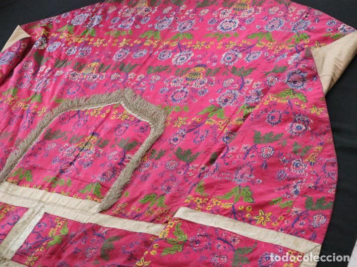 Antigüedades: Capa pluvial confecciona en seda brocada. Siglo XVIII. - Foto 23 - 282985178