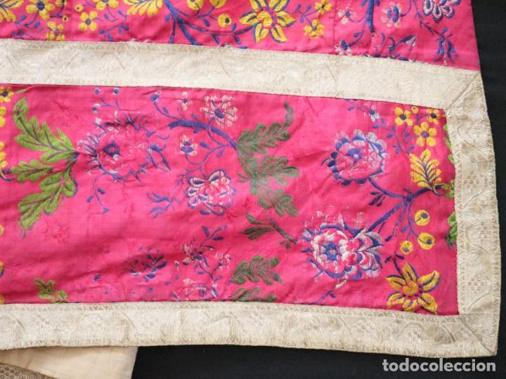 Antigüedades: Capa pluvial confecciona en seda brocada. Siglo XVIII. - Foto 25 - 282985178