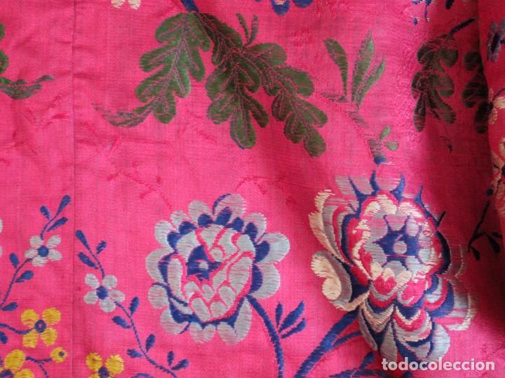 Antigüedades: Capa pluvial confecciona en seda brocada. Siglo XVIII. - Foto 29 - 282985178