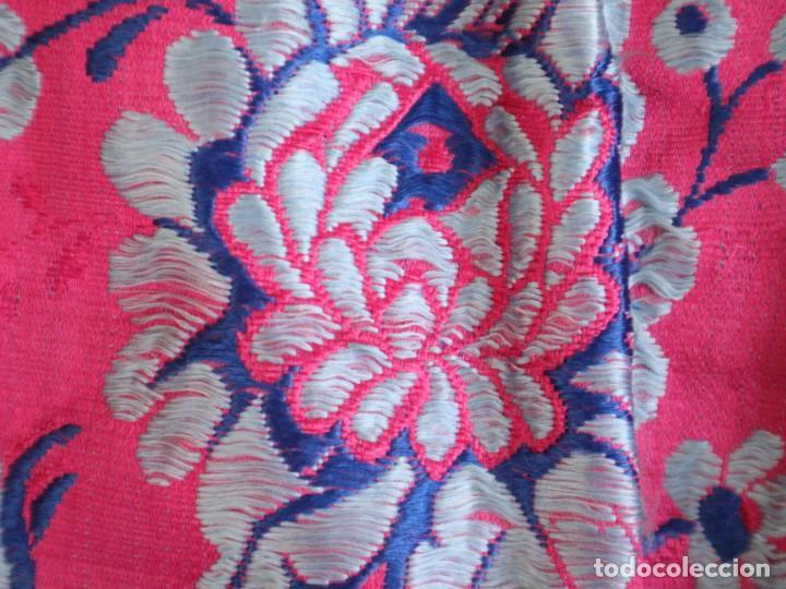 Antigüedades: Capa pluvial confecciona en seda brocada. Siglo XVIII. - Foto 31 - 282985178