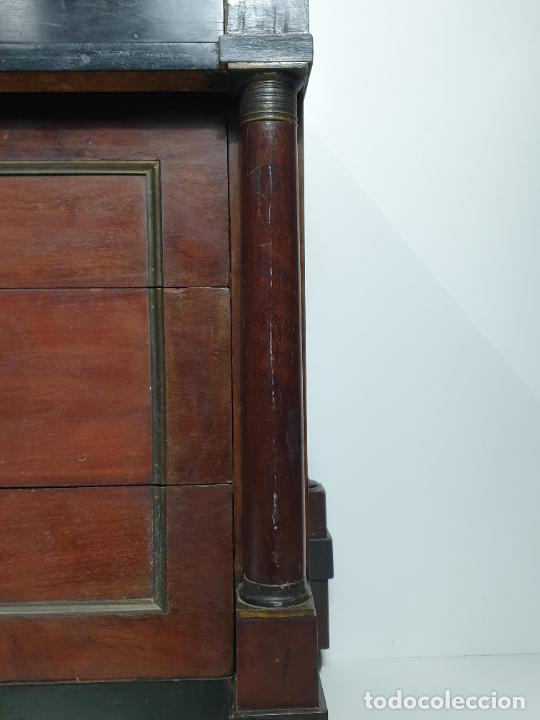 Antigüedades: Antigua Cómoda Carlos IV, Transición Imperio - Madera de Jacarandá y Caoba - Circa 1800 - Foto 3 - 283020518