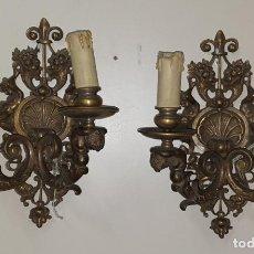 Antigüedades: PRECIOSA PAREJA DE APLIQUES - BRONCE CINCELADO - CON ÁNGELES QUERUBINES. Lote 283026958