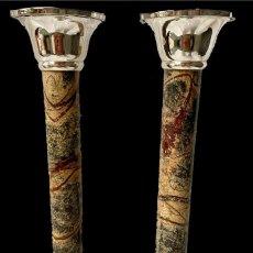 Antigüedades: ANTIGUA PAREJA DE CANDELABROS NAPOLEÓN III, IMPERIO. S. XIX. CASINO MERCANTIL DE ZARAGOZA. 28 CM.. Lote 283050358