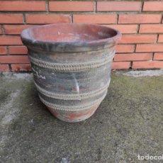 Antigüedades: MACETA - CERÁMICA DE QUART - DIÁMETRO 41 CM, ALTURA 41 CM. Lote 283123028