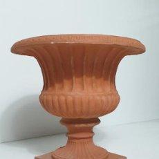 Antigüedades: DECORATIVA COPA EN TERRACOTA - CRATERA - DIÁMETRO 38 CM - IDEAL PARA DECORACIÓN, JARDÍN. Lote 283182533
