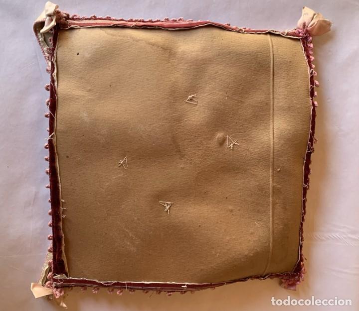 Antigüedades: BONITO PORTAFOTOS , PORTACARTAS , PORTADOCUMENTO CON BORDADOS ARTESANALES Y TERCIOPELO . - Foto 11 - 283273528