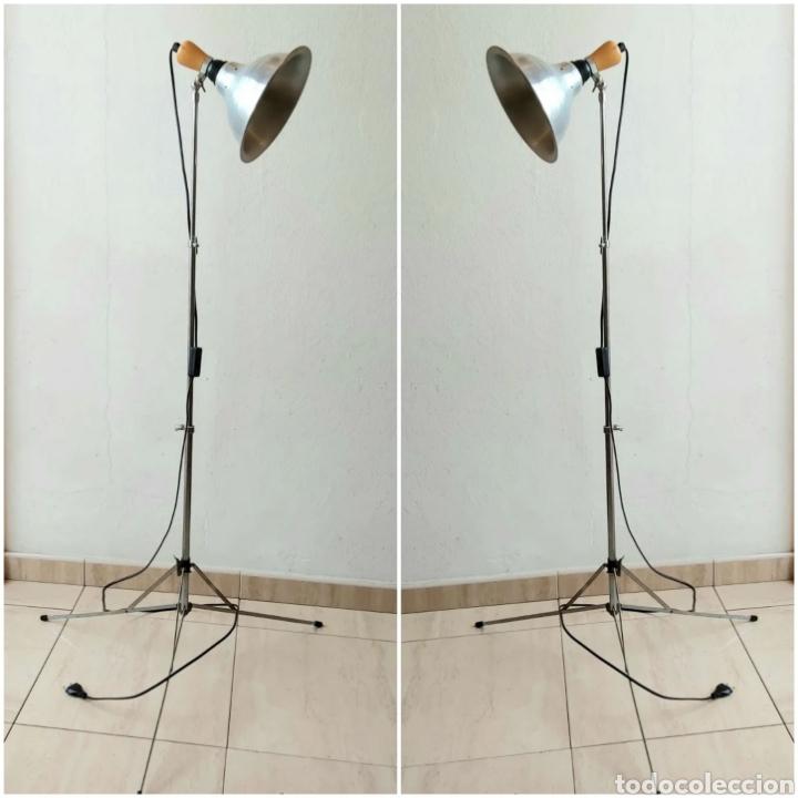 2 LAMPARAS DE PIE PLEGABLE VINTAGE. FOCO DE ESTUDIO (Antigüedades - Iluminación - Lámparas Antiguas)
