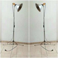 Oggetti Antichi: 2 LAMPARAS DE PIE PLEGABLE VINTAGE. FOCO DE ESTUDIO. Lote 227237635