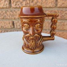 Antigüedades: ANTIGUA JARRA DE CERAMICA ESMALTADA CHINA CON IMAGEN EN RELIEVE. Lote 283401663