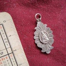 Antiquités: MEDALLA RELIGIOSA DE PLATA. VIRGEN DE LA MERCED. Lote 283705213