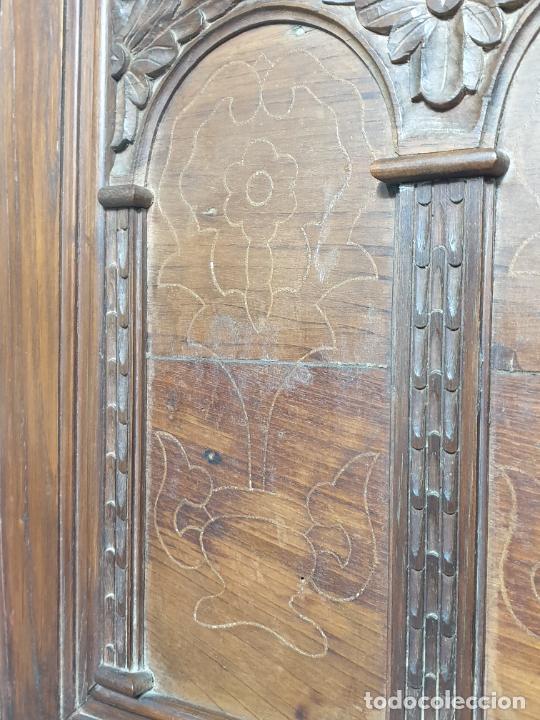 Antigüedades: Antigua Caja - Arcón Catalán - Tapa Decorada - Marquetería en Pasta - Patas de Garra - Foto 22 - 283782248