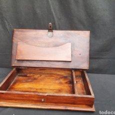 Antiquités: VIEJO ESCRITORIO DE VIAJE DE MADERA. Lote 283826298