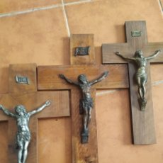 Antigüedades: LOTE DE 3 CRUCIFIJOS MUY ANTIGUOS. Lote 283937408