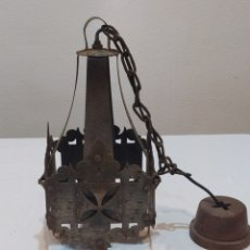 Antigüedades: INCREÍBLE LAMPARA ANTIGUA DE HIERRO FORJADO. Lote 283965063