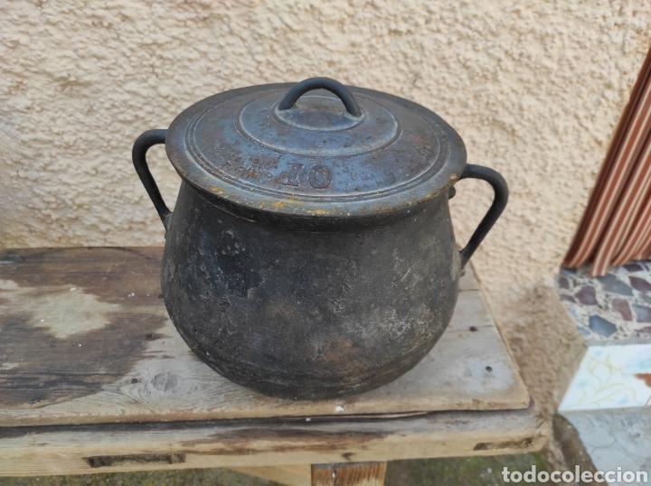 ANTIGUA OLLA - PUCHERO DE HIERRO COLADO (Antigüedades - Técnicas - Rústicas - Utensilios del Hogar)
