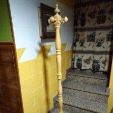 Antigüedades: BONITO PERCHERO DE MADERA. Lote 284184363