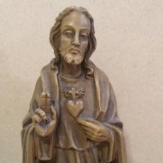 Antigüedades: PRECIOSA ANTIGUA ESCULTURA DEL SAGRADO CORAZON DE JESUS DE PRINCIPIOS DEL SIGLO XX Y NUMERADA. Lote 62365119