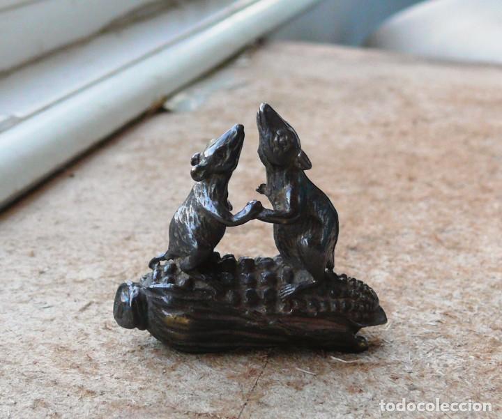 Antigüedades: escultura en miniatura.bronce.ratones en maíz - Foto 5 - 284289983