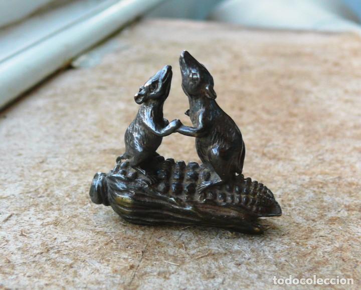 Antigüedades: escultura en miniatura.bronce.ratones en maíz - Foto 6 - 284289983