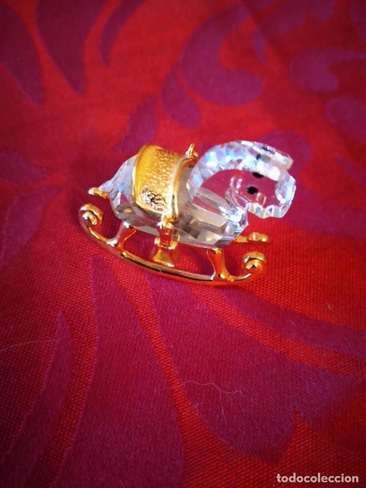 Antigüedades: caballito balancin de cristal swarovski y metal dorado, autentico - Foto 2 - 284302328
