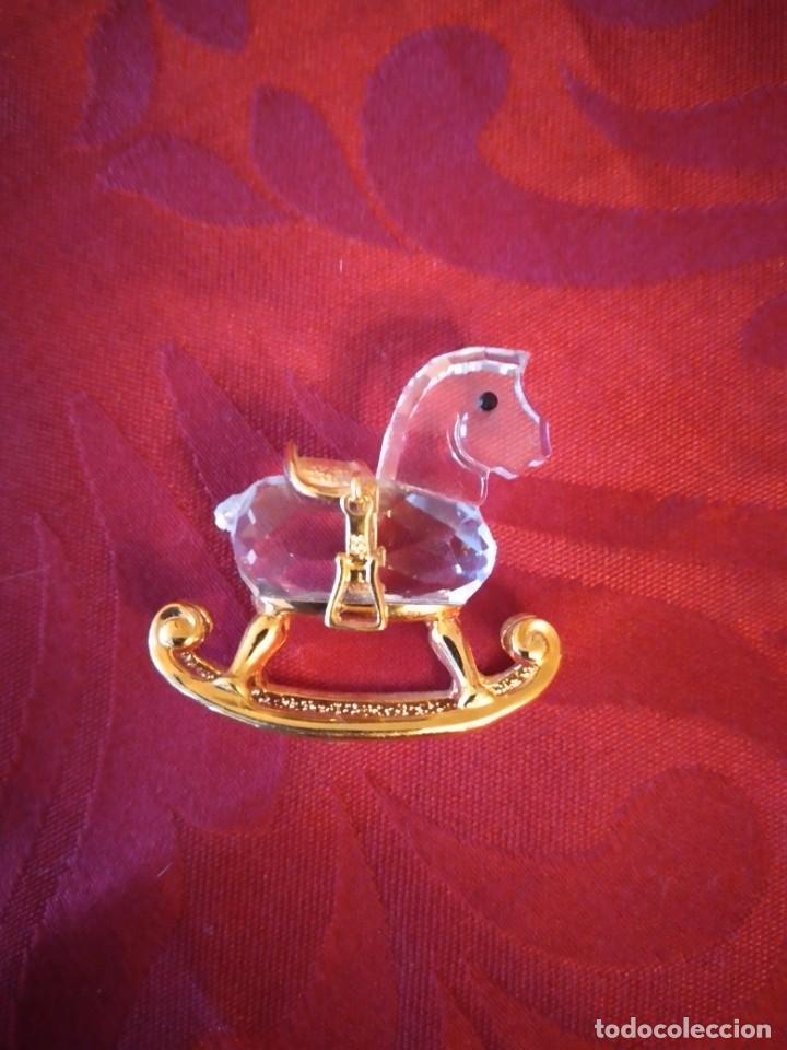 Antigüedades: caballito balancin de cristal swarovski y metal dorado, autentico - Foto 3 - 284302328