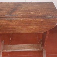 Antigüedades: PEQUEÑA MESA PEGABLE EN ROBLE AÑOS 40. Lote 284477148