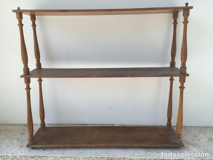 Antigüedades: Delicada estantería o librería de pared para colgar. probablemente finales del siglo XIX - Vintage - Foto 4 - 284497268