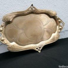Antigüedades: BANDEJA DE PLATA VERMEIL MODERNISTA. Lote 284506978