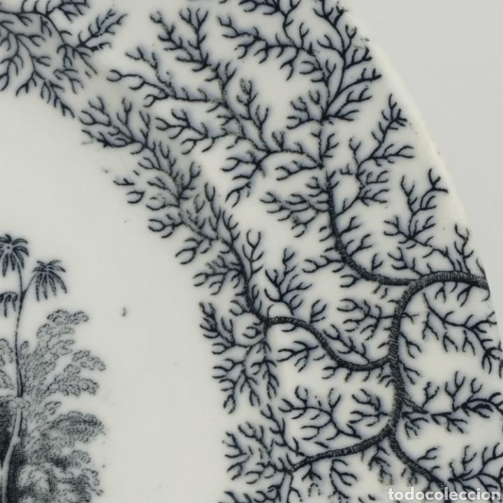 Antigüedades: Plato hondo PICKMAN, Cartuja de Sevilla, escena oriental y enramado, sello de años 1880 a 1910 - Foto 8 - 284618923