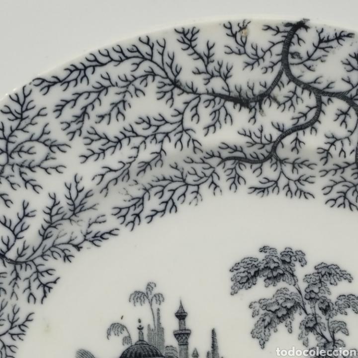 Antigüedades: Plato hondo PICKMAN, Cartuja de Sevilla, escena oriental y enramado, sello de años 1880 a 1910 - Foto 10 - 284618923