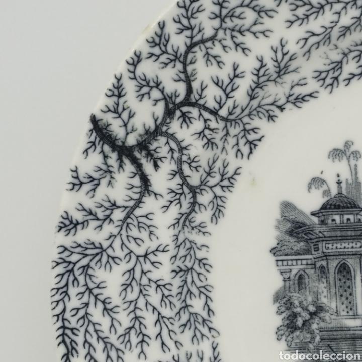 Antigüedades: Plato hondo PICKMAN, Cartuja de Sevilla, escena oriental y enramado, sello de años 1880 a 1910 - Foto 11 - 284618923