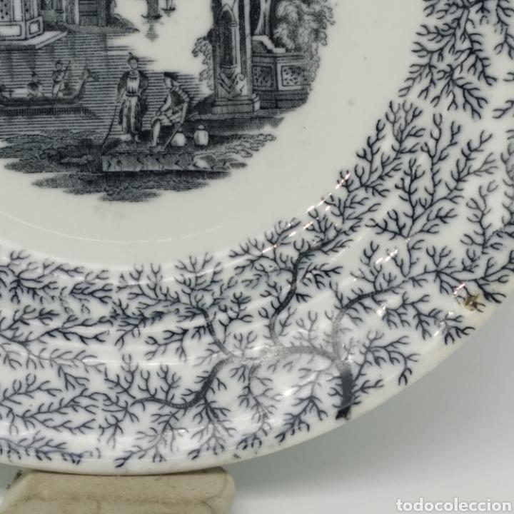 Antigüedades: Plato hondo PICKMAN, Cartuja de Sevilla, escena oriental y enramado, sello de años 1880 a 1910 - Foto 13 - 284618923
